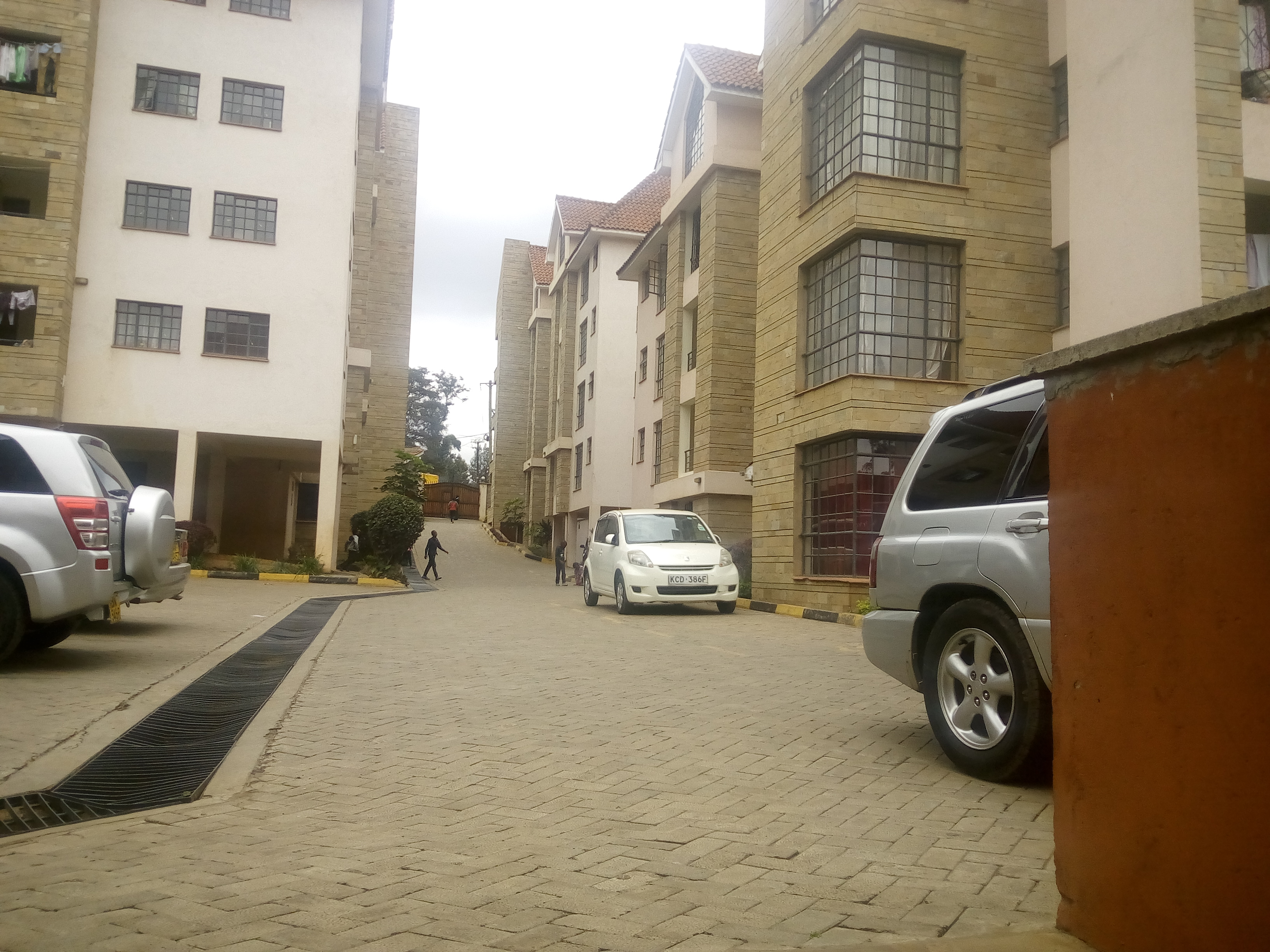 Executive 2 bedroom apartment to let along Naivasha road