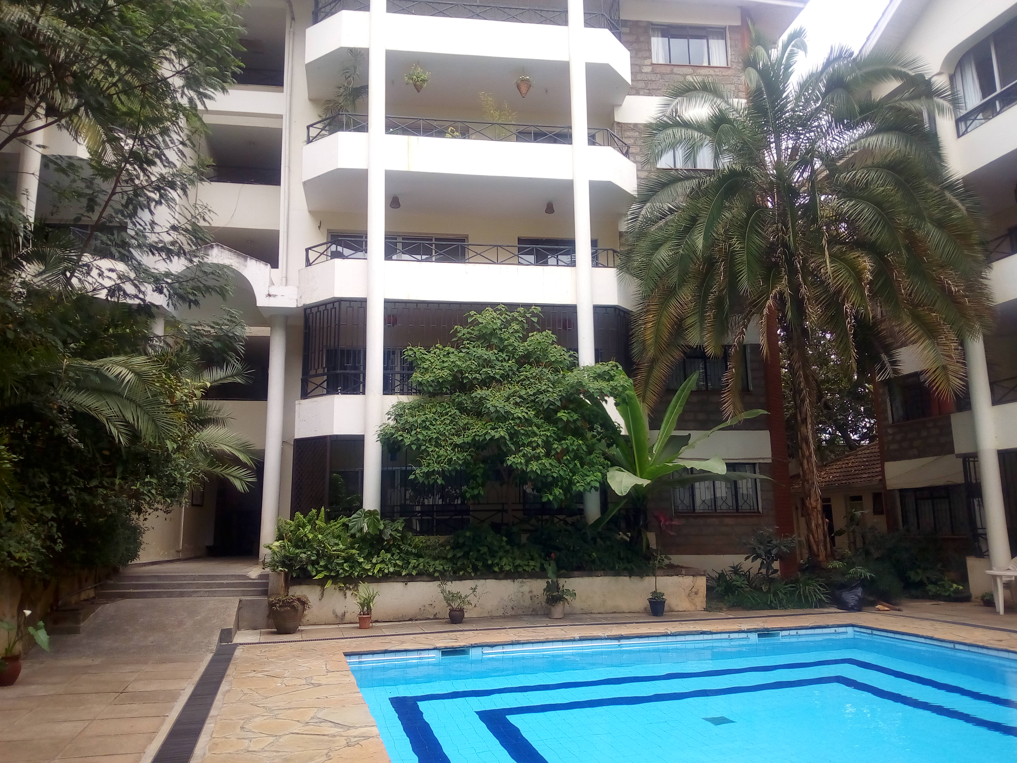 2 bedroom apartment to let in Riverside