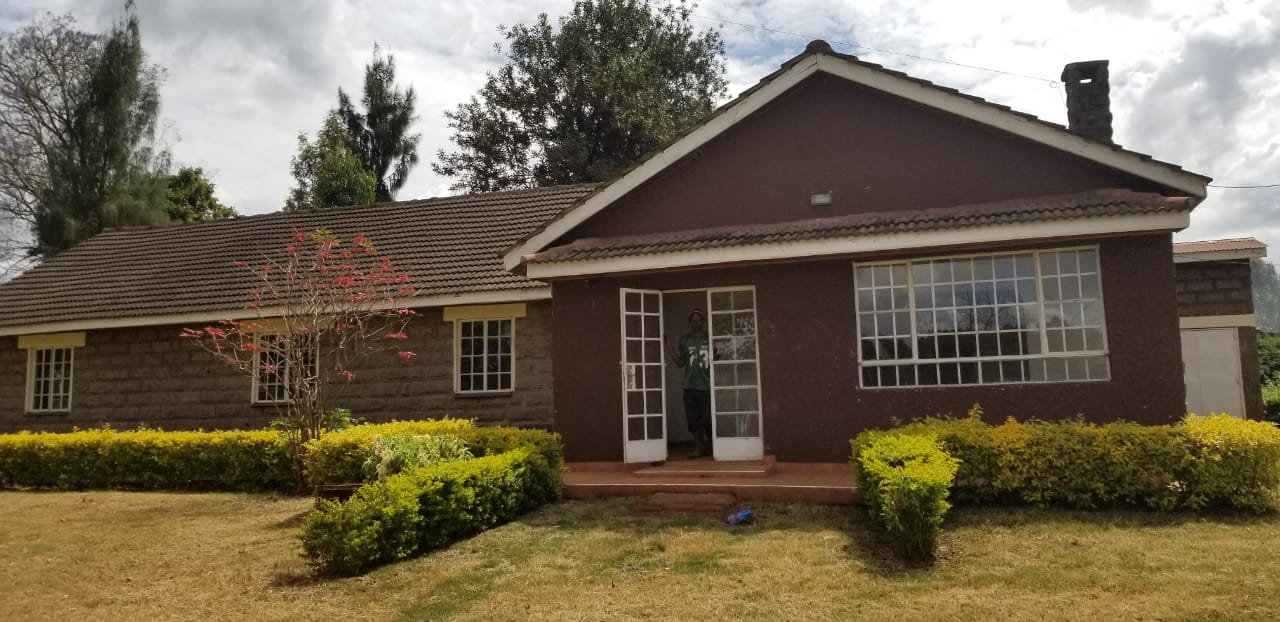 4 bedroom house on an acre to let in Kiambu road
