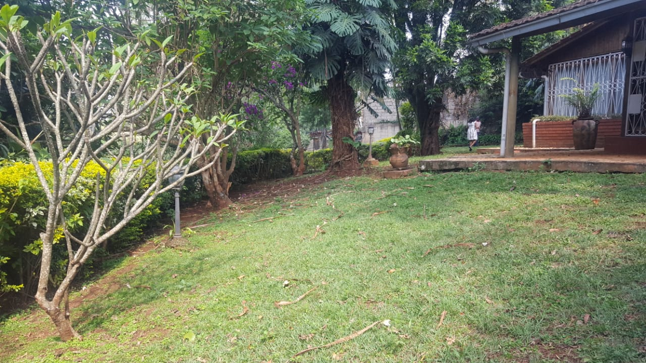 One acre land with an old house for sale in Lower kabete