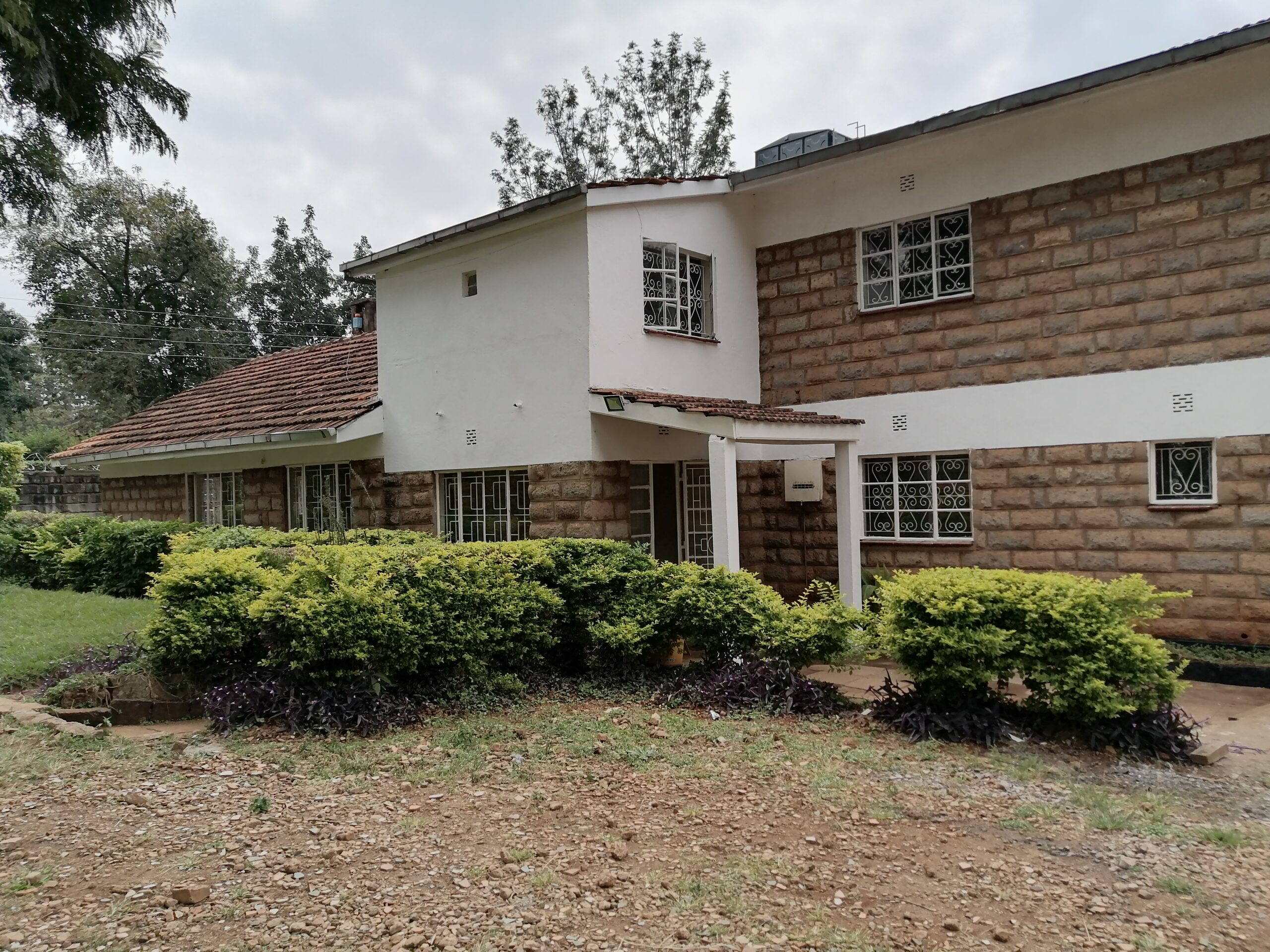 7 bedroom house for rent in Mushroom estate Kiambu road